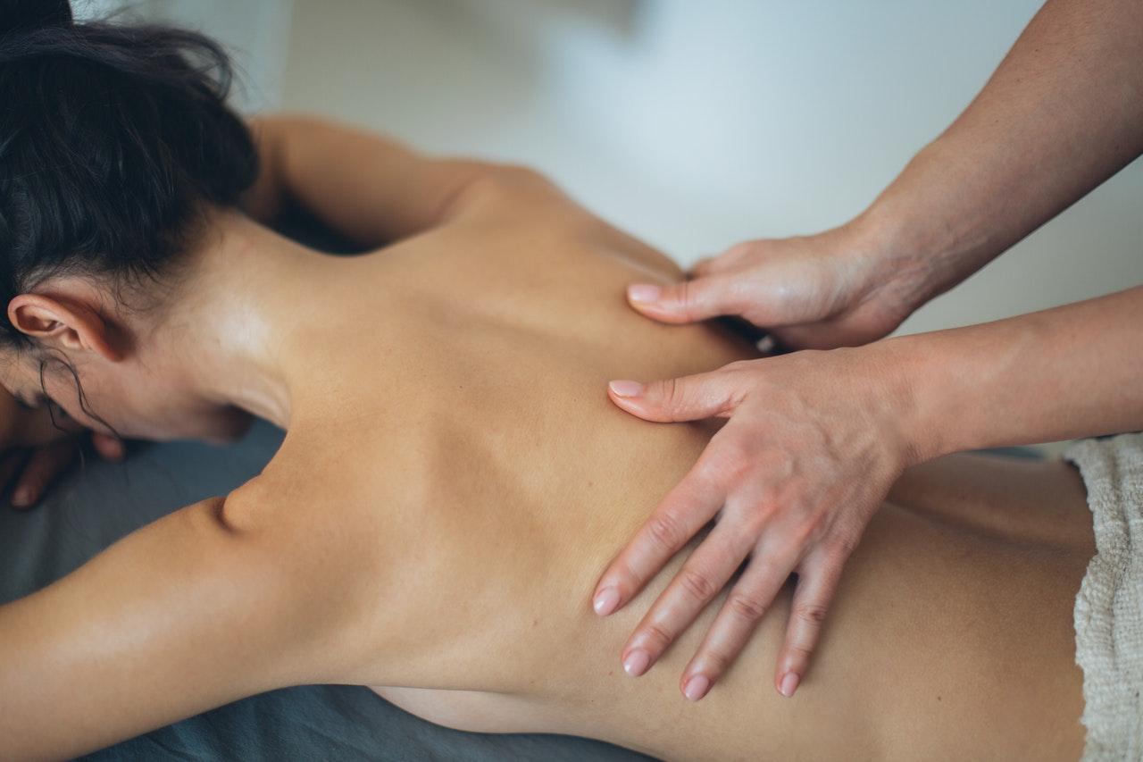 Tot ceea ce trebuie să știi despre masajul Deep Tissue