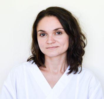 Dr. Ghita Laura
